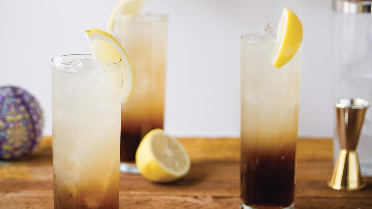 Reproduisez le fameux Long Island Iced Tea, mais version québécoise