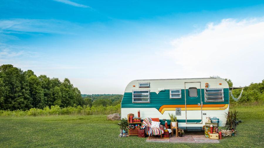 Faites du camping en VR différemment et visitez des fermes d'ici